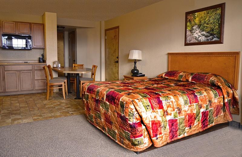 queen hotel suite
