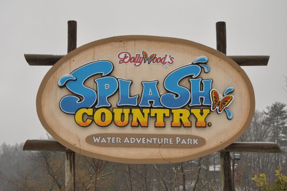 splash country sign