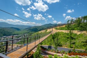 skybridge at gatlinburg skylift park
